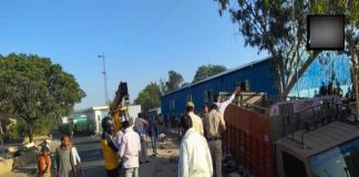 दिल्ली: कश्मीरी गेट इलाके में तेज रफ्तार ट्रक की चपेट में आकर 2 लोगों की मौत